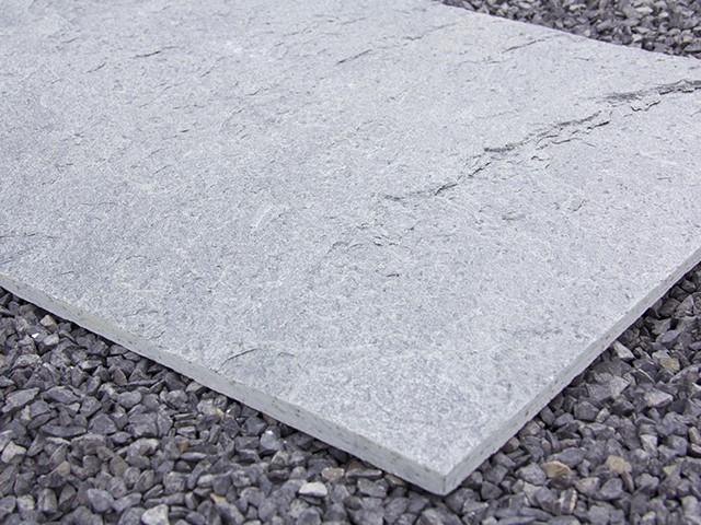 Gartenplatten quarzit silbergrau green4living for Gartengestaltung 400 m2